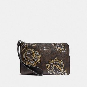 NWT Coach gorgeous floral wristlet!! PRICE FIRM